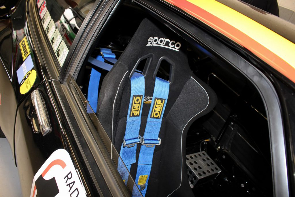 sparco bucket seat with OMP harness