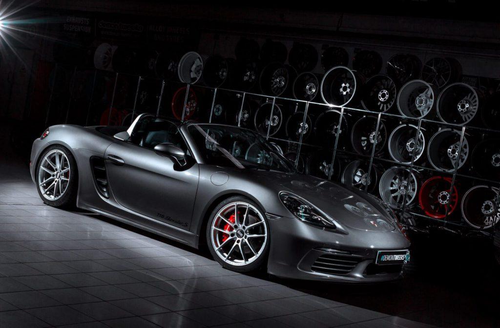 Porsche with OZ Racing Alleggerita alloys